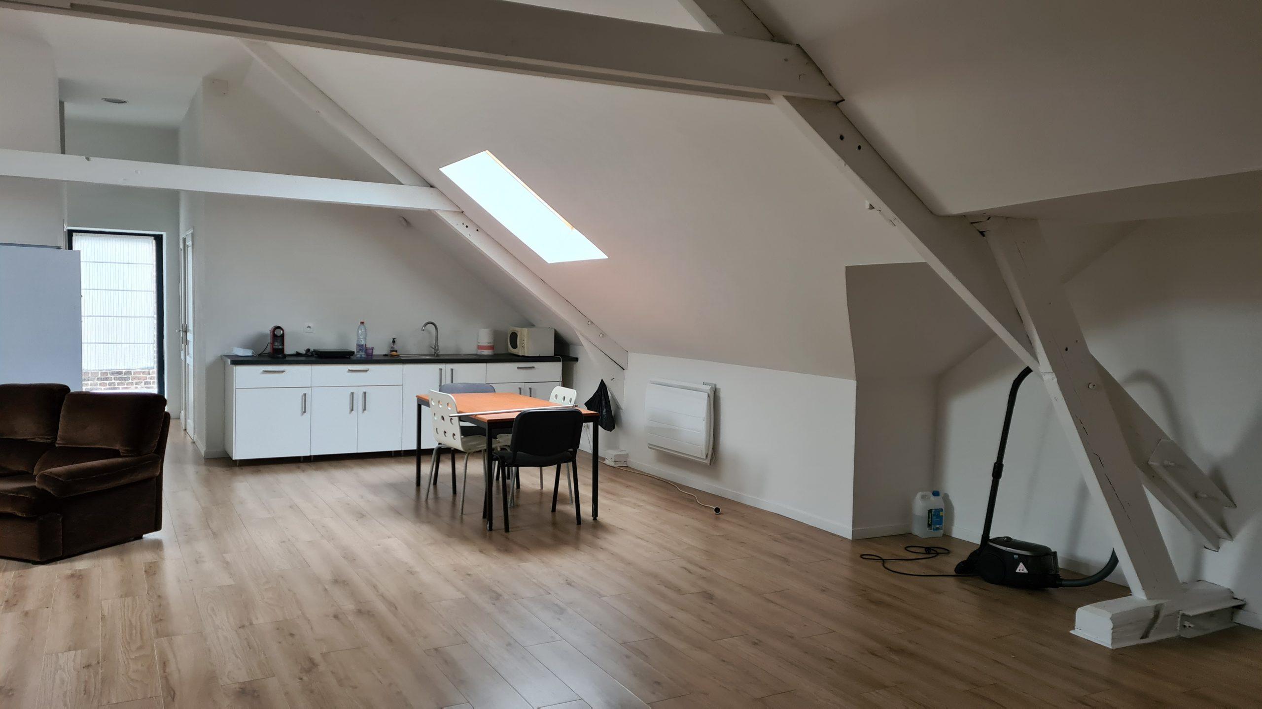 Loft / Appartement de 92.02 m² !